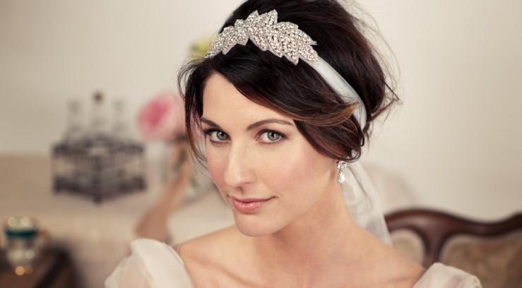 e04a3b77054b Свадебные украшения для прически невесты | Аксессуары, Прически ...