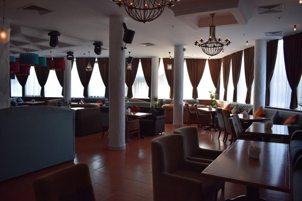 испытание для гудини волгоград ресторан фото живет просторной двухкомнатной