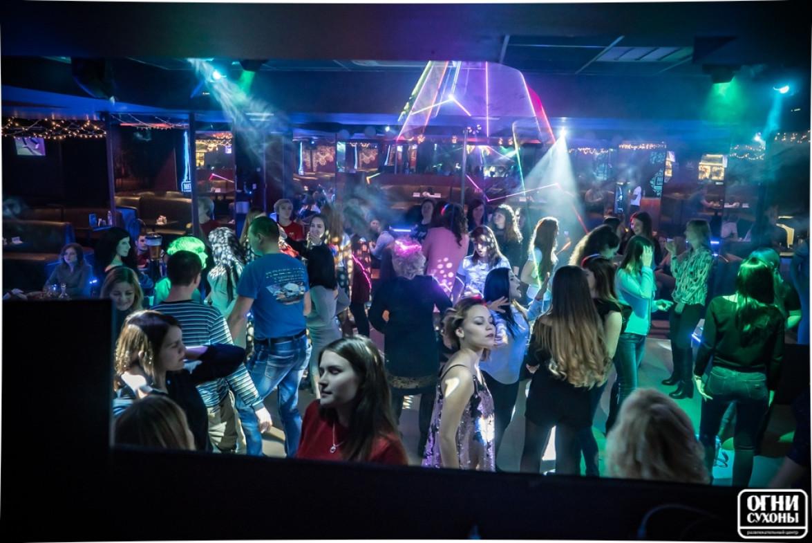 Огни сухоны ночной клуб клуб москва на дунайском спб